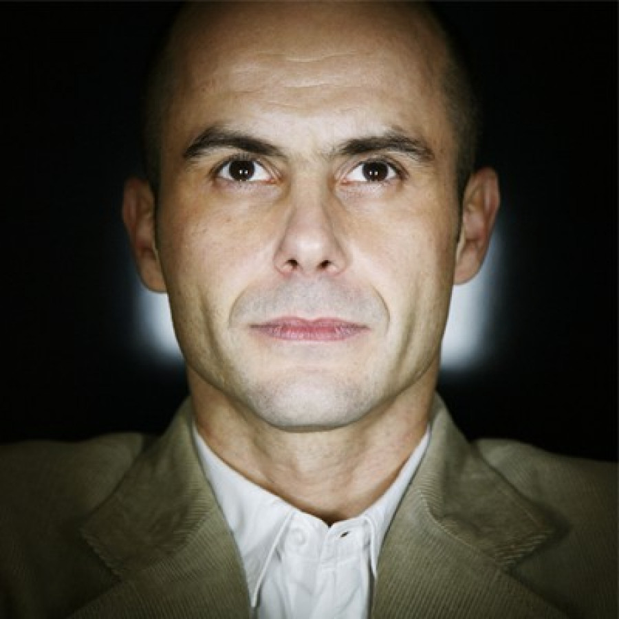 Découvrez le portrait de Patrice Normand, photographe portraitiste et membre du collectif Temps machine.